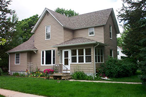 Siding contractors Cedar Rapids Dubuque IA