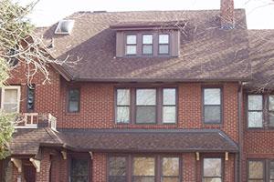 Roofing contractors Des Moines IA